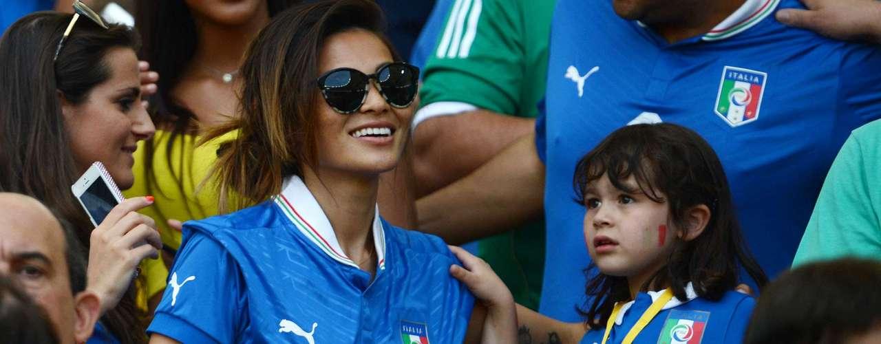 La taiwanesa Silvia Hsieh es casada con el volante ofensivo Alessandro Diamanti.