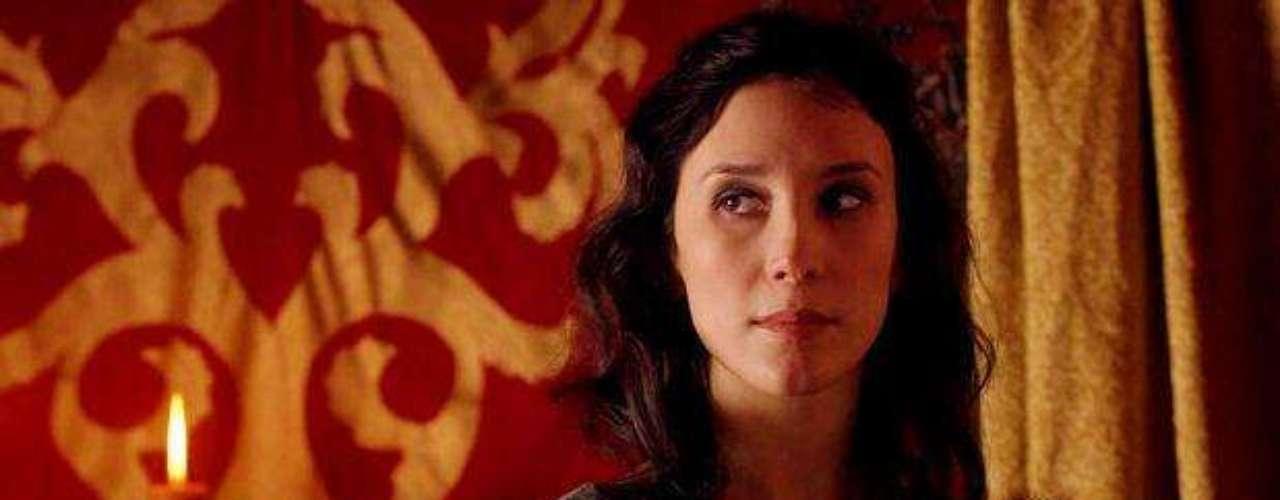 La actriz germano-turcaSibel Kekillide la serie Game of Thrones con el rol de Shae, tiene una carrera cinematográfica que data desde 2004, año en que protagonizó la película Contra la pared y en quesalió a la luz parte de su pasado como actriz de cine porno
