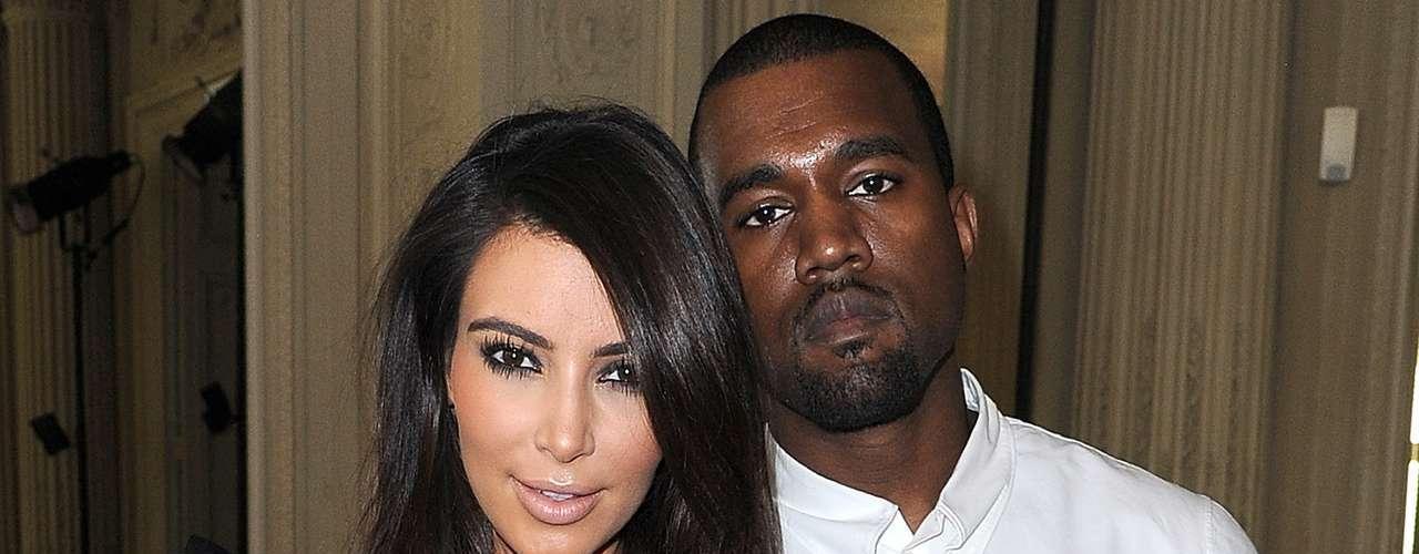 Kim Kardashian siempre ha tenido un gusto especial por llamar la atención del mundo entero y a Kanye West tampoco le cae nada mal algo de destaque. Aprovechando que el apellido del rapero es West (oeste) les pareció muy, pero muy apropiado nombrar a su hija como North (norte) para que su nombre \