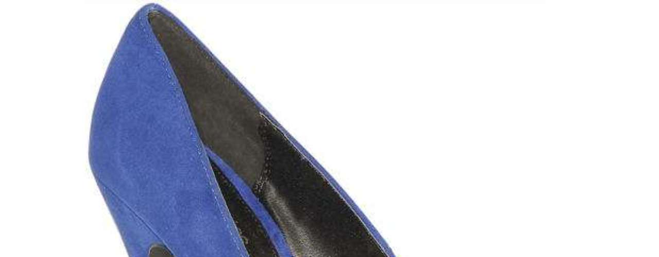 Déjate sorprender con lo último en calzado de oficina y luce espectacular esta temporada en donde predominan los tacos bajos, cuñas o tacos gruesos, pero si te encantan los zapatos con tacos altos, es mejor optar por las plataformas que aminoran el impacto del taco y los hacen más cómodos.