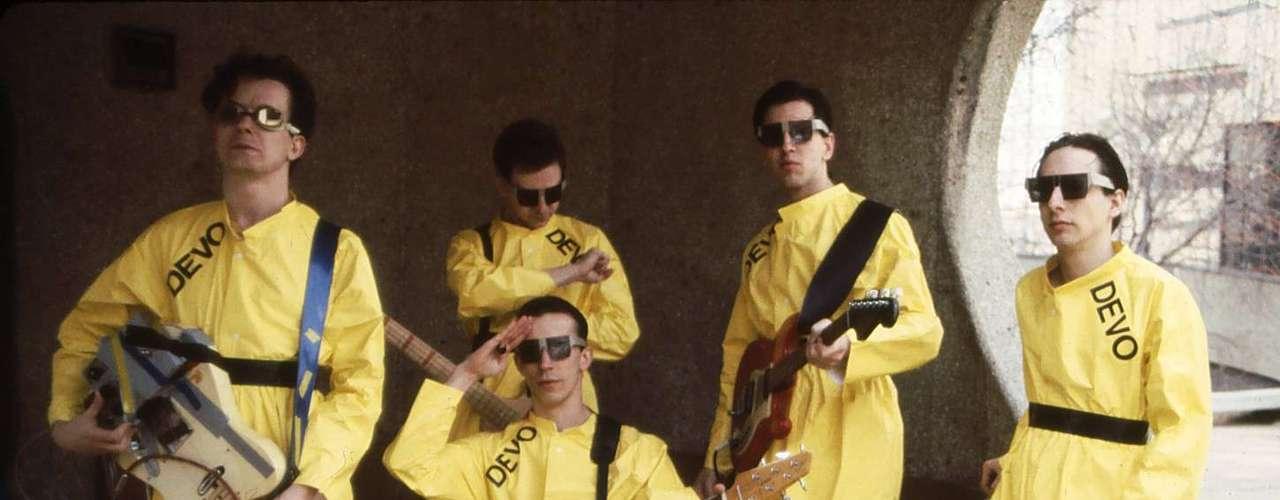 Alan Myers, quien por años fue baterista del grupo Devo, más conocido por su éxito \