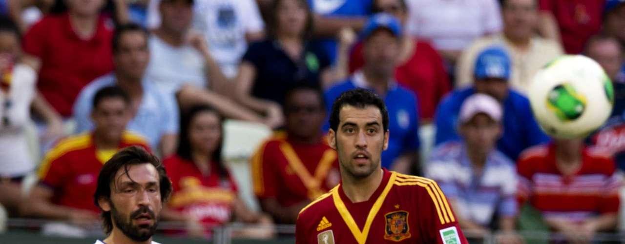 Las oportunidades de España fueron bien controladas por la zaga italiana.