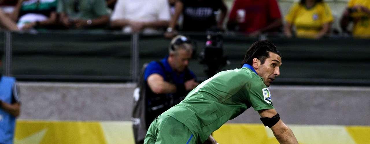España e Italia se fueron a tiempos extras, luego de 90 minutos de inoperancia ofensiva de ambos cuadros.