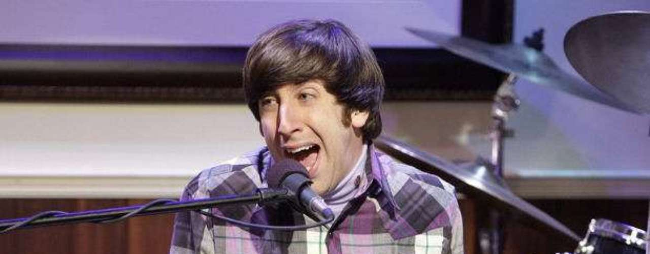 Simon Helberg es Howard Wolowitz.