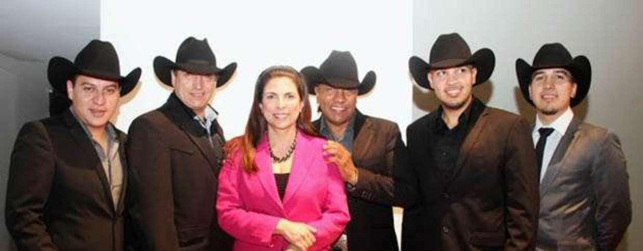 Bronco fue elegido por segunda ocasión Embajador de los Migrantes, por ello la Comisión Nacional de los Derechos Humanos (CNDH) invitó a la agrupación al lanzamiento de la campaña \