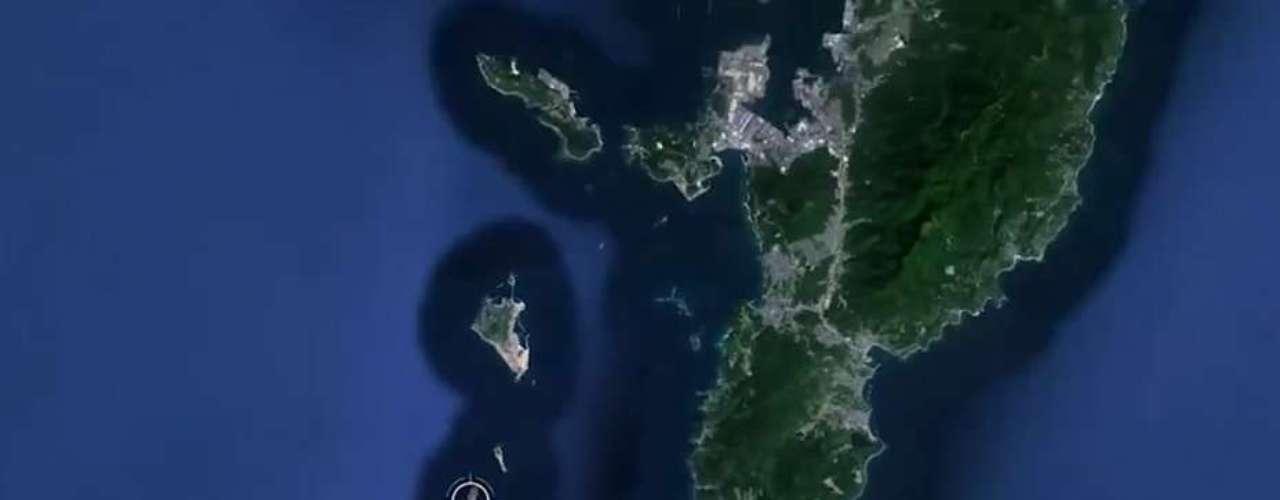 Abierta para visitación desde 2009, Gunkanjima es una de las 505 islas deshabitadas de la prefectura de Nagasaki, a unos 15 kilómetros de la ciudad.