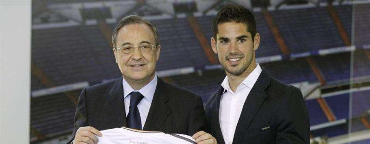 Román Alarcón, mejor conocido como Isco, tiene una gran trayectoria en el fútbol español. Llega procedente del Málaga y antes estuvo en el Valencia. Se espera mucho de su calidad en el mediocampo del Real Madrid.