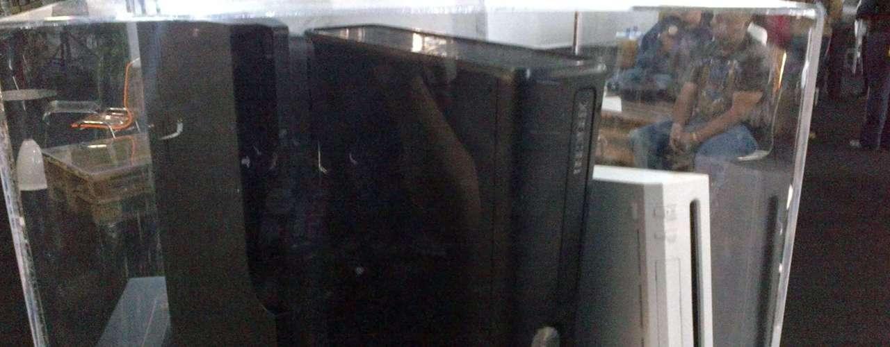 PS3, XBOX360, WII.- PS3 es la tercera videoconsola del modelo PlayStation de Sony Computer Entertainment. Xbox 360 es la segunda videoconsola de sobremesa producida por Microsoft y Wii es una videoconsola producida por Nintendo y estrenada el 19 de noviembre de 2006 en Norteamérica y el 8 de diciembre del mismo año en Europa. Pertenece a la séptima generación de consolas.