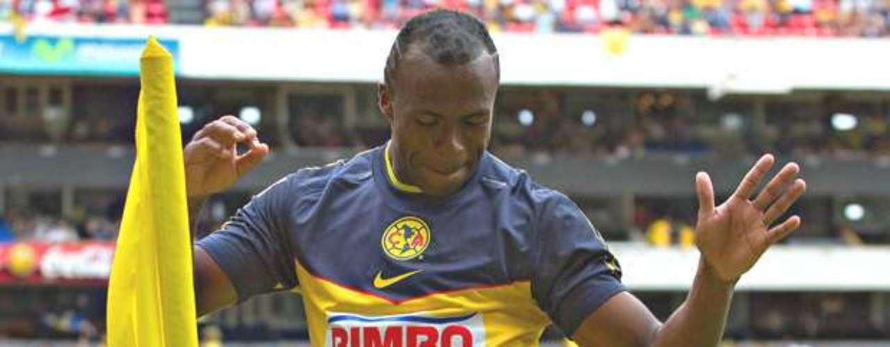 Christian Benítez se convirtió en refuerzo de América el 22 de mayo del 2011 proveniente de Santos por la suma de 10 millones de dólares