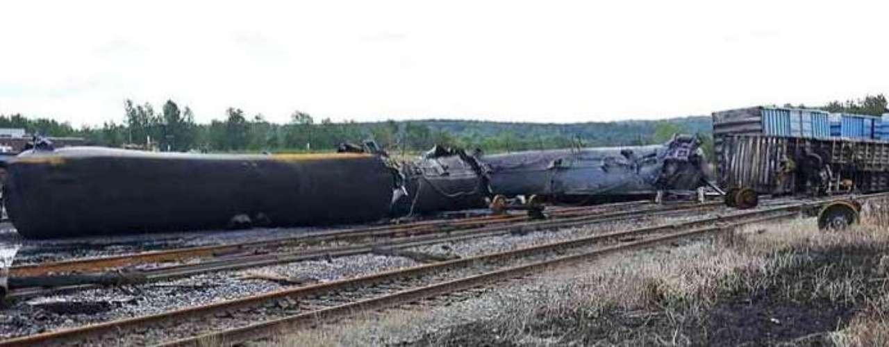 También el sábado 6 de julio de 2013, un tren cargado de petróleo se descarriló y explotó por la cuesta entre Nantes y Lac-Megantic, en la provincia canadiense de Quebec.