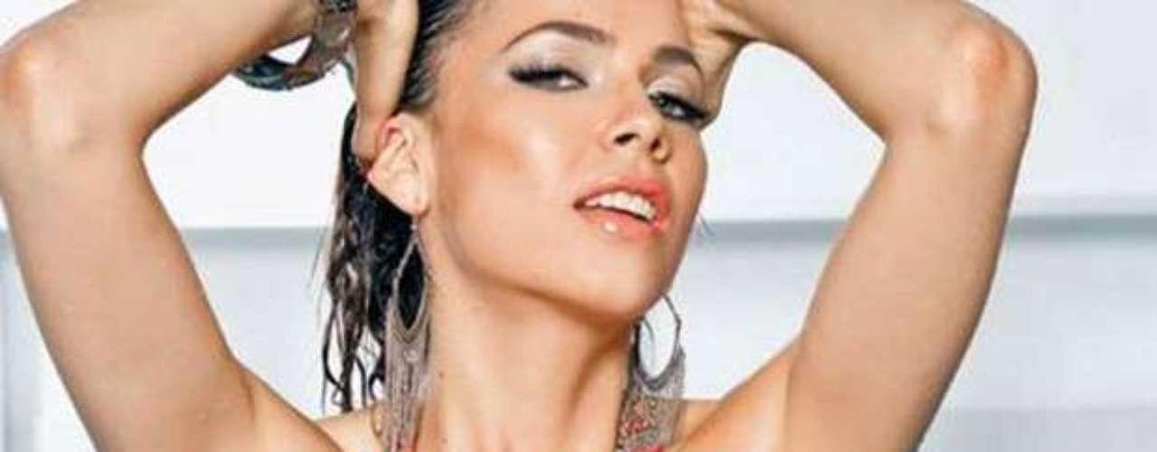 Las curvas de la actriz Perla Encinas se podrán ver en todo su esplendor en el video musical de La Adictiva Banda San José de Mesillas titulado \