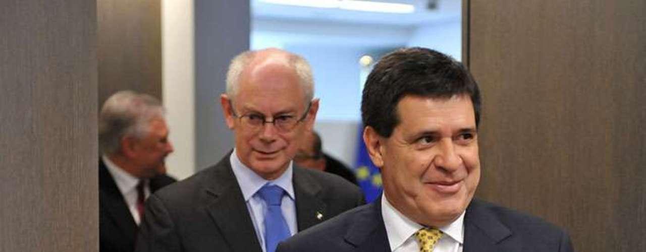 5.- Paraguay, presidente electo Horacio Cartes. Un 62% de los paraguayos considera que la corrupción se ha elevado en los dos últimos años.