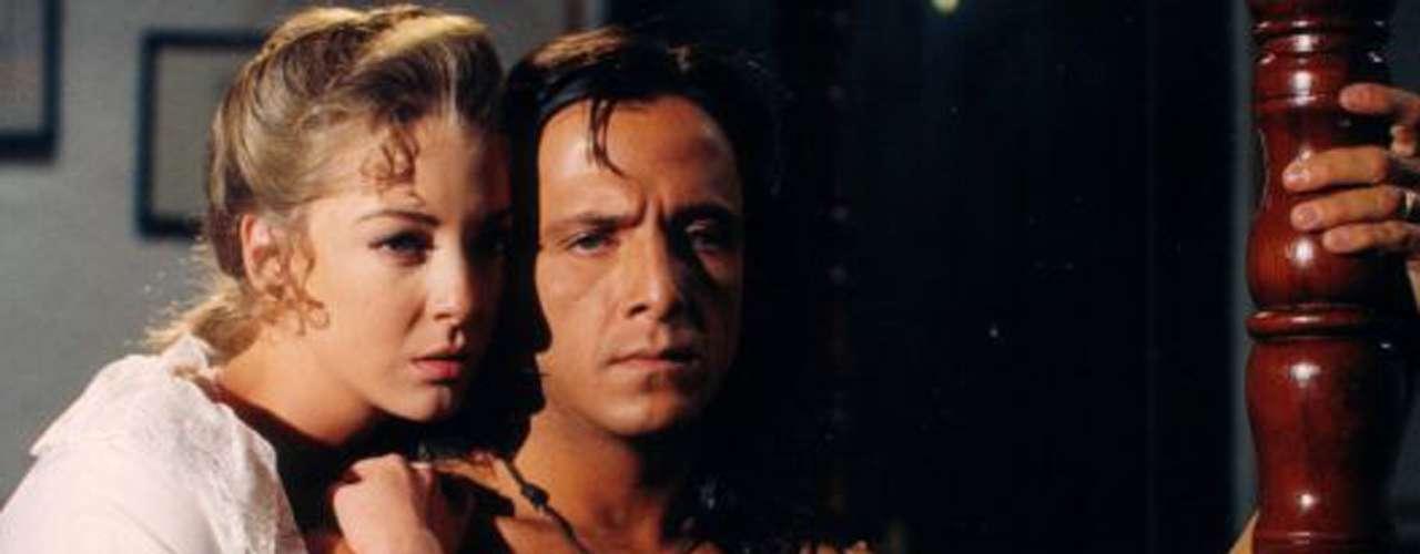 La pasión sublime, profunda y mágica que transmitían los personajes de Edith González y Eduardo Palomo en la telenovela 'Corazón Salvaje' (1993) es una de las razones por los que la pareja ha sido insuperable dentro de los melodramas.
