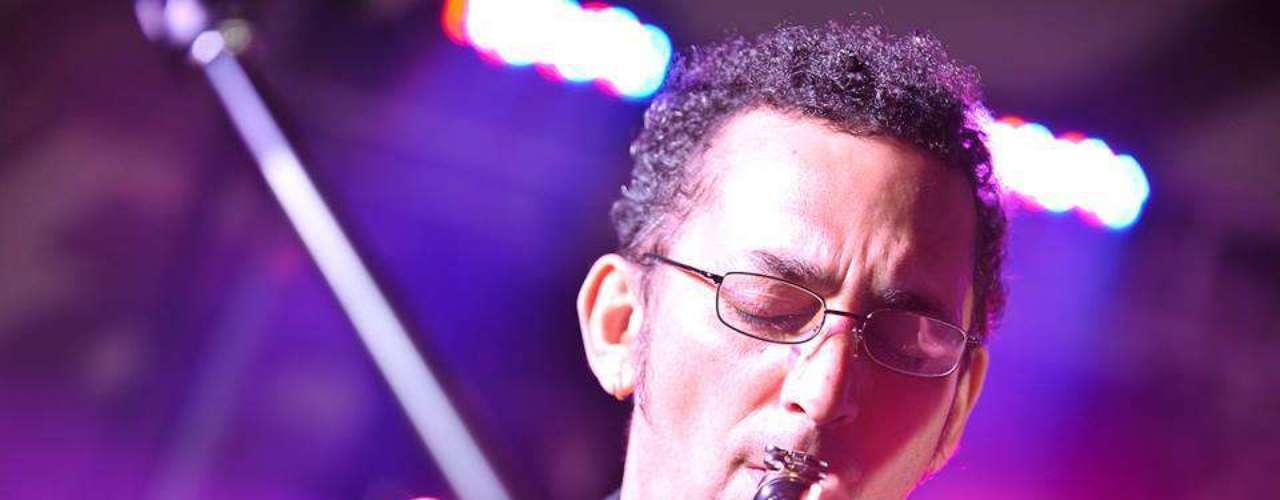 El 18 de julio de 2013, falleció Horacio Avendaño, saxofonista de Los Pericos a los 52 años de edad. La banda comentó su sentir a través de las redes sociales.