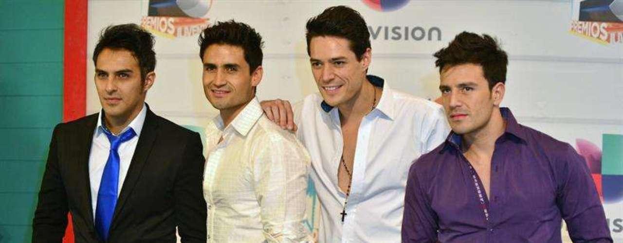 Los guapos deMarconi llegaron muy guapos y rompiendo corazones en los Premios Juventud 2013