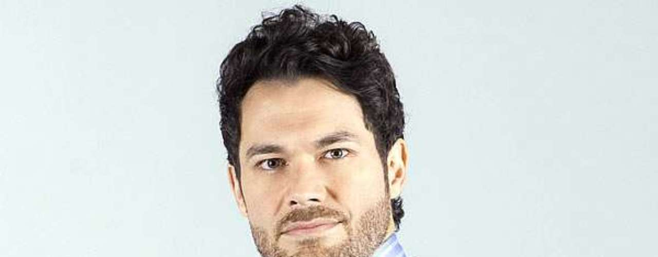 José Narvaez lleva más de 10 años de relación con la ex protagonista y presentadora Cristina Hurtado. Continuó con su carrera musical y actoral.
