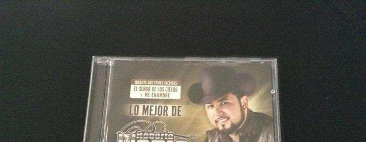 Roberto Tapia conquistó nuevamente la posición de honor en la lista de ventas Hot-Latin de Billboard con su álbum de grandes éxitos \