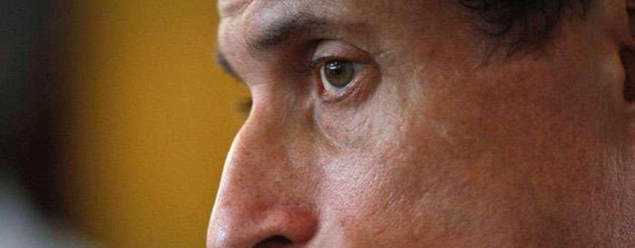 Anthony Weiner, quien renunció en 2011 al Congreso estadounidense en medio de un escándalo de sexting y que ahora aspira la alcaldía de Nueva York, confirmó que tuvo un nuevo intercambio de contenido sexual en internet, tras dejar su escaño.