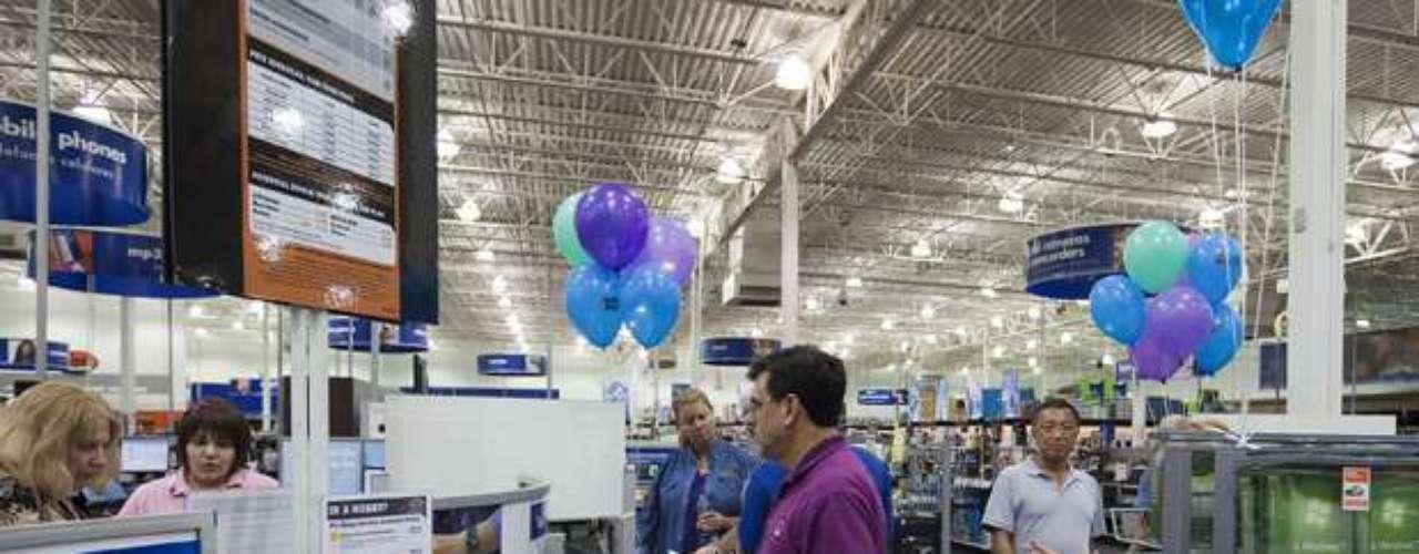 Compara precios en diferentes en autoservicios o tiendas especializadas en cómputo. No dejes pasar las ofertas y paquetes.