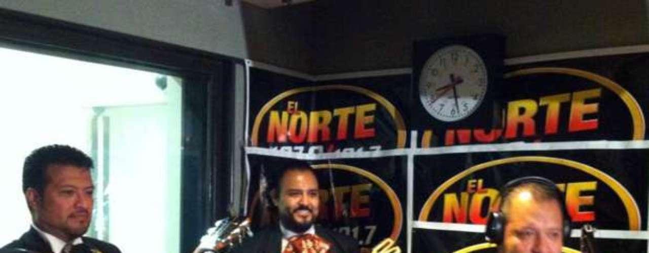 Beto Zapata, voz líder del Grupo Pesado, se lanzó un \