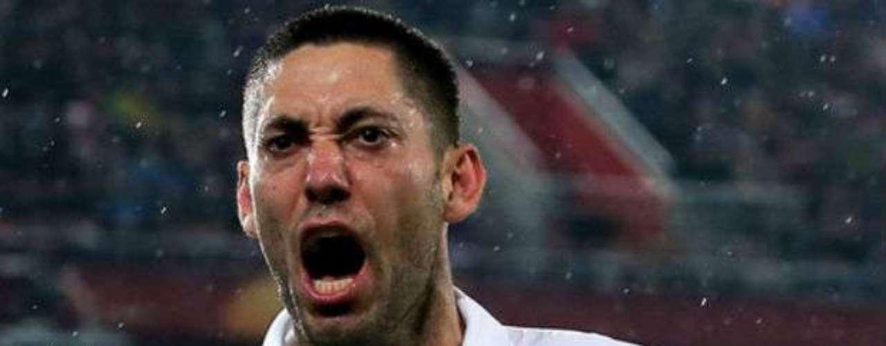 Tottenham anunció el sábado que el delantero estadounidense Clint Dempsey regresará a la MLS, luego de seis años en el futbol inglés. Los Spurs no divulgaron el equipo al que fue transferido Dempsey, pero la prensa británica reportó que es a los Sounders de Seattle, por unas seis millones de libras.
