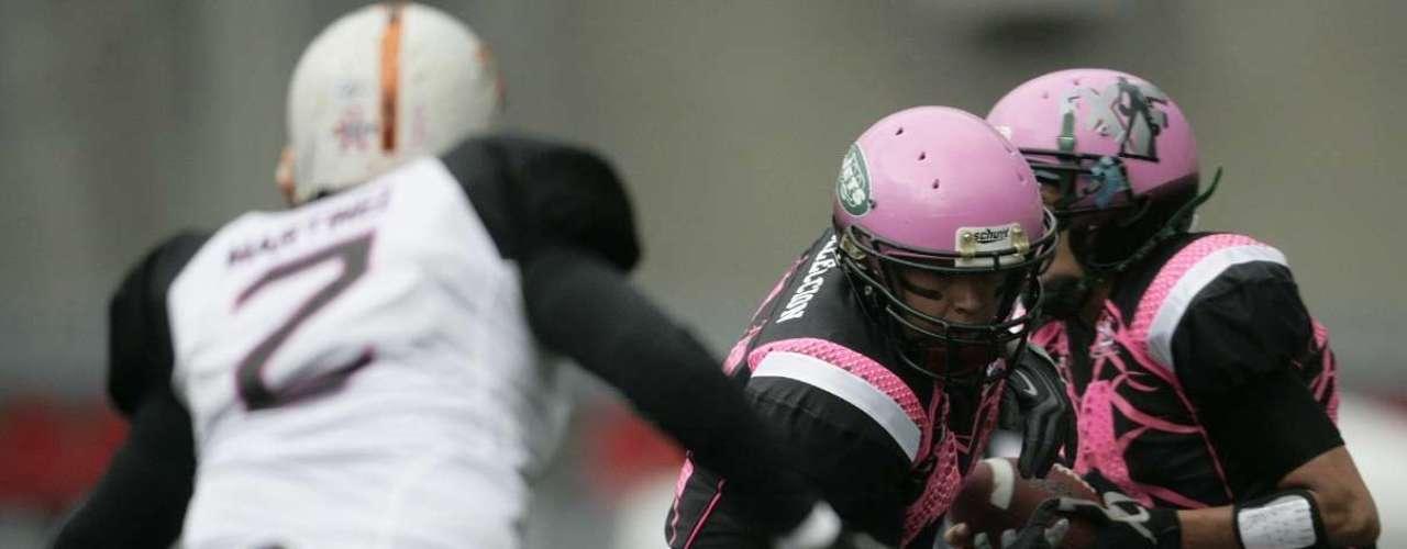 La selección de la liga FXF derrotó 40-2 a la selección LFM de Monterrey en el denominado Tazón México entre las dos mejores ligas de chicas equipadas que hay en nuestro país