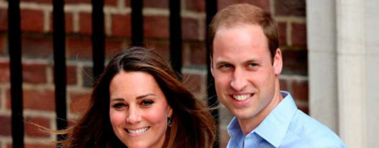 Los duques de Cambridge recibieron a su primer hijo en la tarde londinense del 22 de julio concretamente  a las 16.24, hora local tras un parto que se prolongo poco más de 10 horas en  hospital St. Mary . El título que le dieron al futuro heredero de la corona fue: Príncipe George Alexander louis de Cambridge