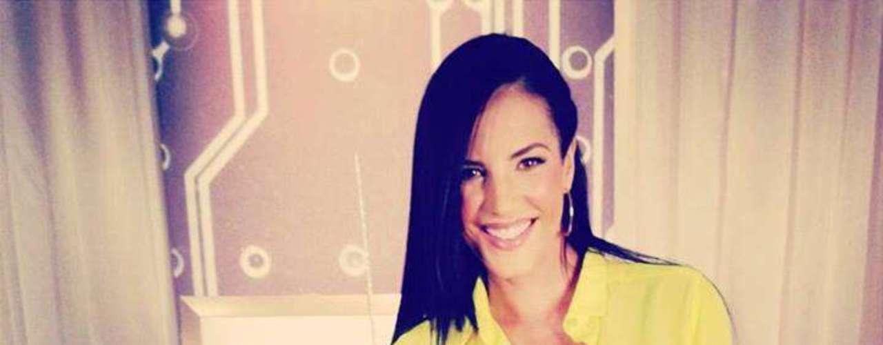 Gabytiene 36años y es originaria de Venezuela aunque por motivos de trabajo ya vive y radica en Estados Unidos, especialmente en Miami donde trabaja y es protagonista de novelas.