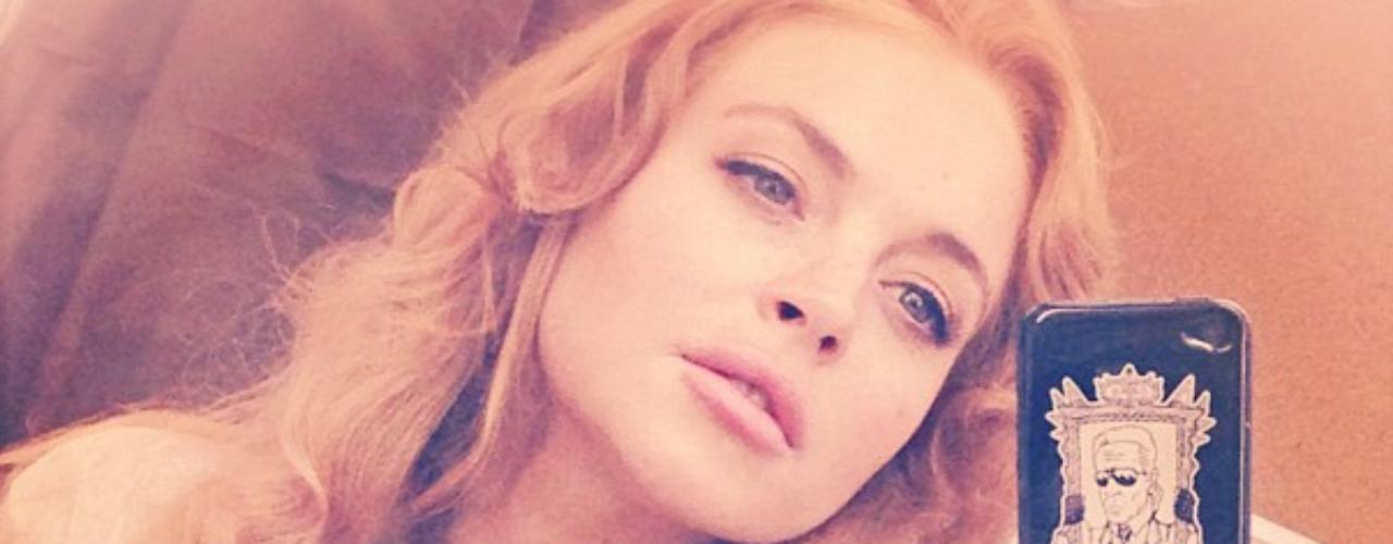 14 de Agosto - Lindsay Lohan está de vuelta en los sets de filmación después de salir de rehabilitación. La problemática actriz compartió esta foto desde la locación de su nuevo proyecto donde dice que está lista para trabajar. ¡Bravo Lindsay!