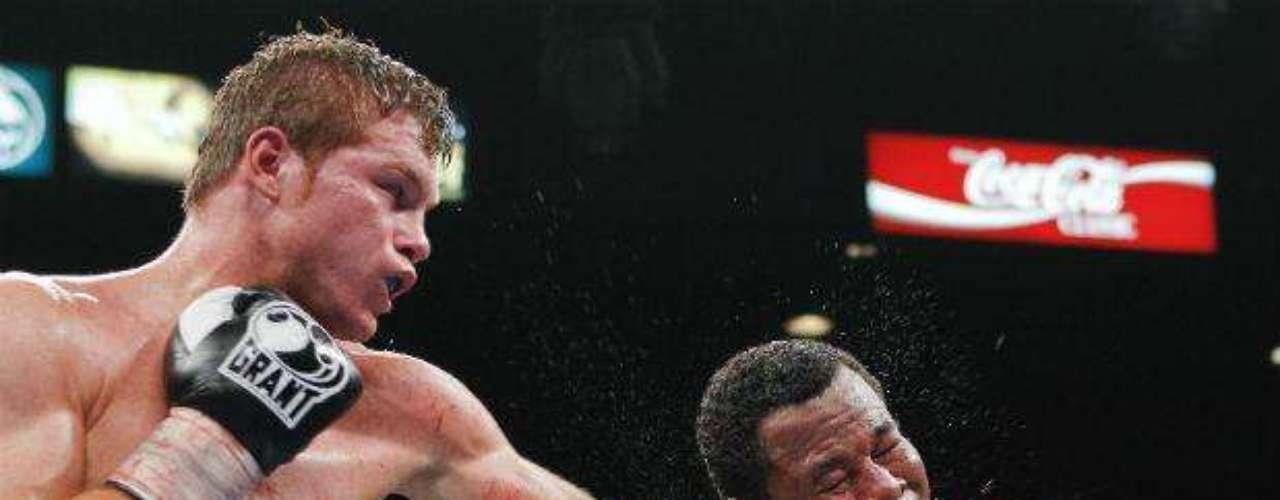 Canelo ya dio cuenta del veterano Shane 'Sugar' Mosley al que venció en mayo de 2012 en Las Vegas por decisión unánime.