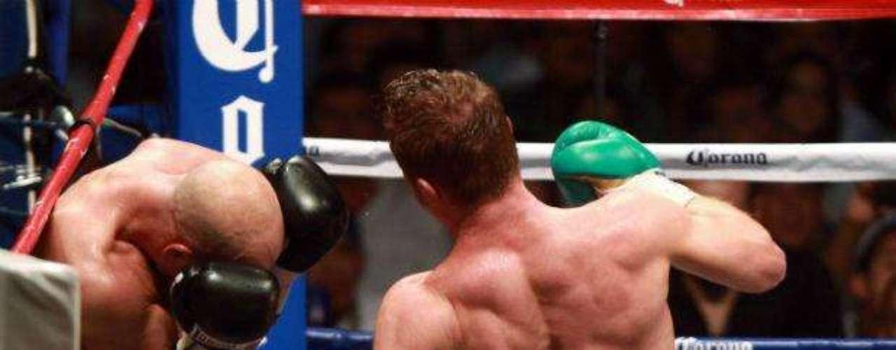 La primera defensa de su título Superwélter del CMB fue ante el también inglés Ryan Rhodes, al que derrotó por nocaut técnico.