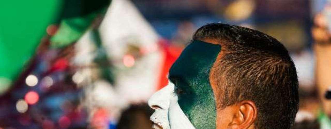 Caras pintadas son el distintivo de los aficionados mexicanos que gustan de apoyar a México cuando juega en Estados Unidos.
