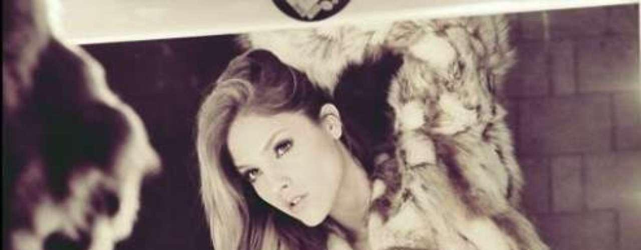 19 de Agosto - ¿Qué tal el cuerpazo de Eiza González? Laactriz deleitó a sus fans con esta sexy fotografía donde muestra su perfecta anatomía