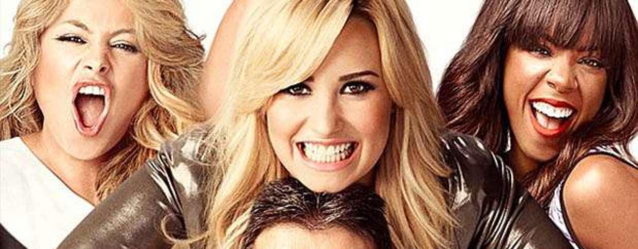 Agosto 22, 2013:Demi Lovato quiere literalmente matar a Simon Cowell, bueno, eso es lo que muchos podrían pensar en esta imagen promocional de la tercera temporada de \