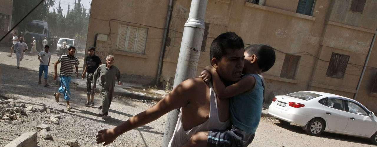 Países del continente europeo también se pronunciaron. El ministro de Asuntos Exteriores ruso, Serguéi Lavrov, reiteró esta semana que las pruebas que ha presentado EE.UU. sobre el supuesto uso de armas químicas por las tropas gubernamentales sirias no son concretas y no han convencido a Moscú.