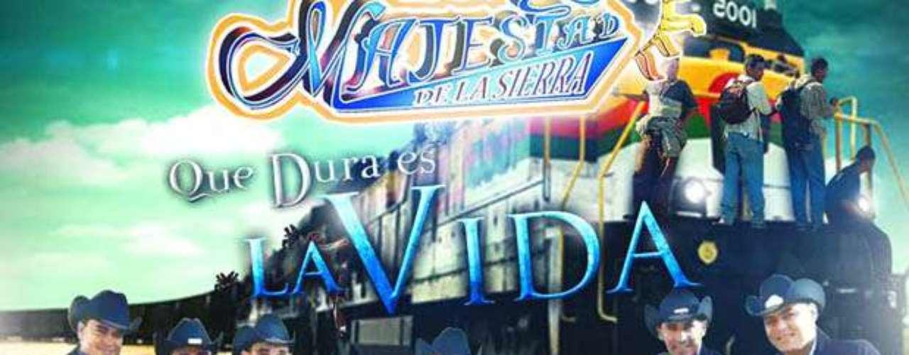 Agosto 22, 2013: Los integrantes de Majestad de la Sierra hacen homenaje a los inmigrantes en su nuevo sencillo \
