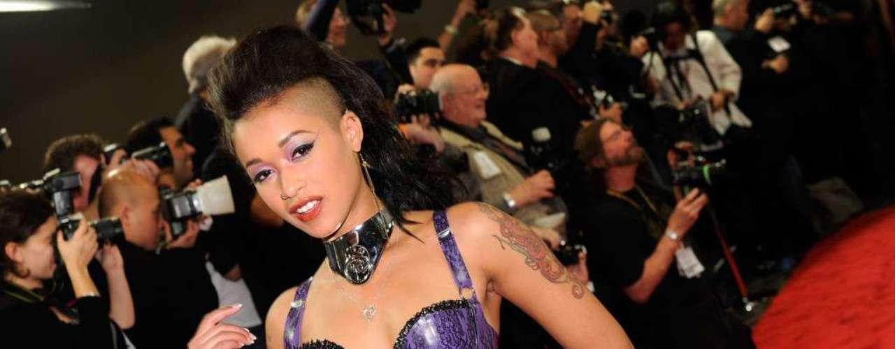 Skin Diamondnació el 18 de febrero de 1987 como Raylin Christensen en medio de una familia de misioneros. Esto no impidió su acenso en la industria pornográfica. La actriz obtuvo siete nominaciones en la edición 2013 de los AVN Awards.