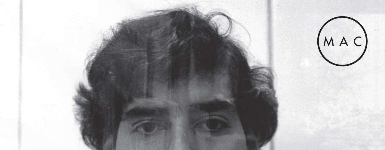 La obra del fotógrafo Rodrigo Rojas De Negri serán exhibidas en una sala del MAC. El joven murió tras cuatro días de agonía tras ser quemado vivo junto a Carmen Gloria Quintana por una patrulla militar en 1986, en el denominado \