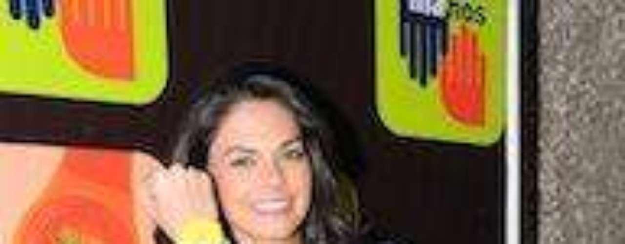 Y aunque seguramente pretendientes no le faltan (menos después de sus fotos sensuales en la revista H), ella no se ha dado una nueva oportunidad en el amor. A ver galanes, a ver, ¡despiértense!Las curvi-mamacitas de las novelasActrices de novela: ¿De quién es esta gran 'pechonalidad'?Los 50 rostros más bellos de las telenovelasEstrellas de novela que se han desnudado en Playboy