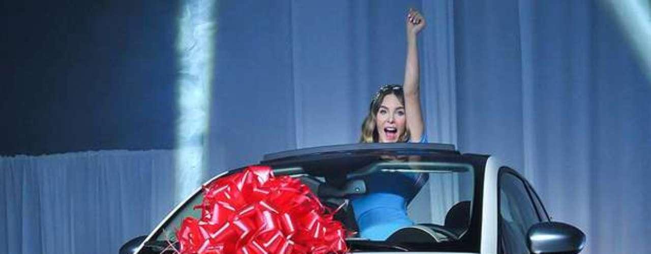 Agosto 28, 2013:Belinda dejó salir su pasión por los autos durante la presentación del nuevo modelo de Fiat en Ciudad de México. La estrella es la nueva imagen de la popular marca de automóviles en tierras aztecas.