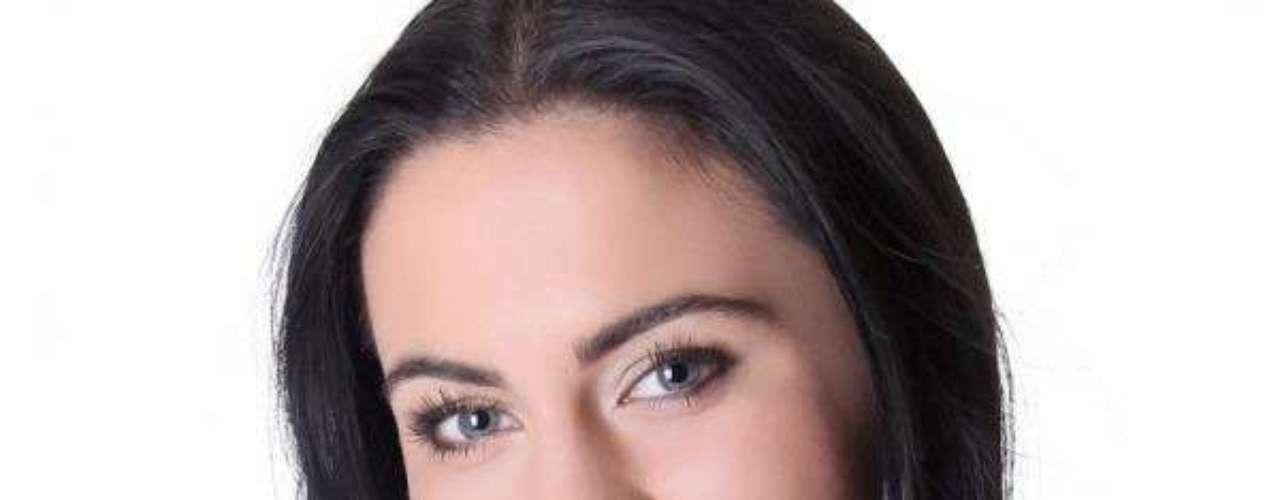 Miss Bosnia y Herzegovina -Sanda Guti. Tiene 19 años de edad, mide 1.73 metros de estatura y procede de Brcko.