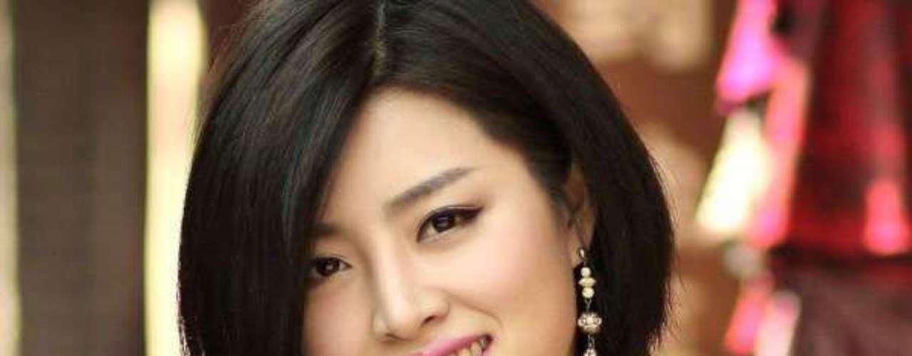 Miss China- Yu Weiwei. Tiene 24 años de edad, mide 1.75 metros de estatura, reside en Ankang.