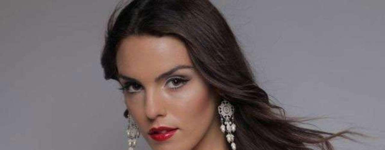Miss Chipre - Kristi-Mari Agapiou. Tiene 21 años de edad, mide 1.74 metros de estatura. Reside en Nicosia.