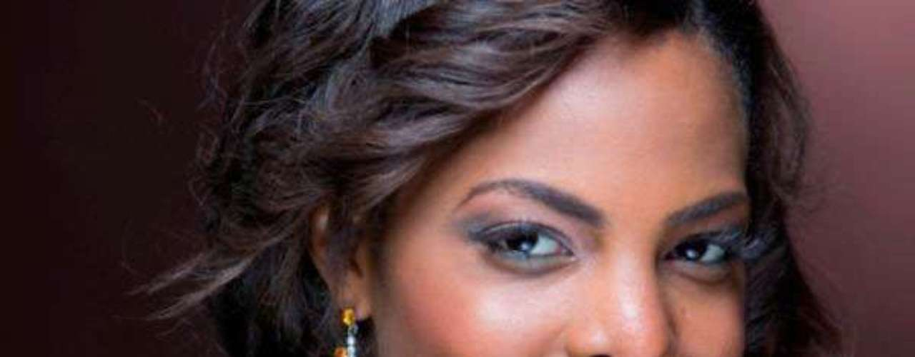 Miss Costa de Marfil - Aissata Dia Ezzedine. Tiene 18 años, mide 1.80 metros de estatura. Reside en Aboisso.