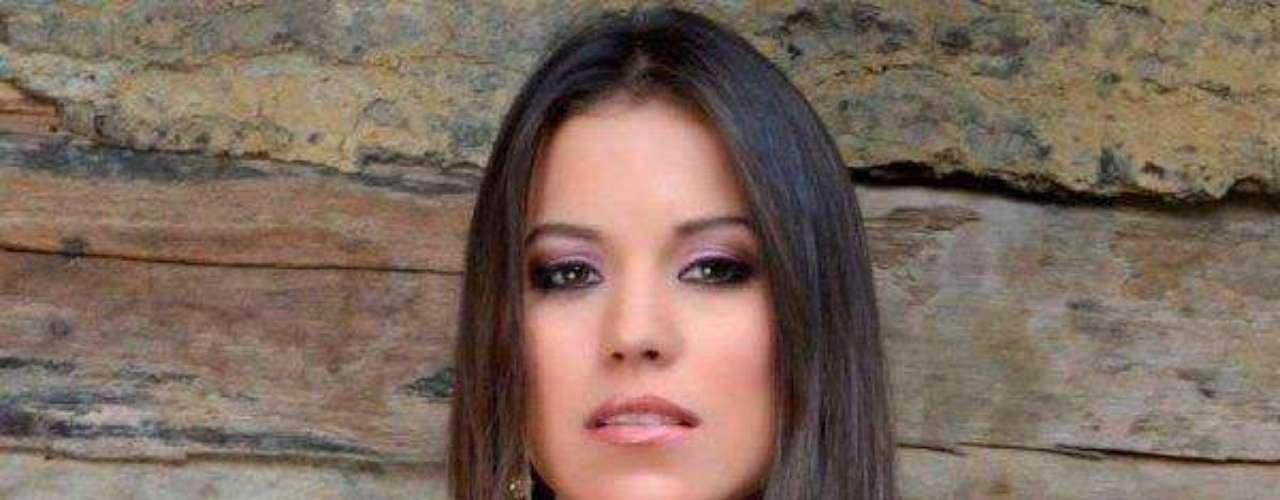 Miss Costa Rica - Yarly Marín Ledezma. Tiene 22 años de edad, mide 1.72 metros de estatura. Reside en Puntarenas