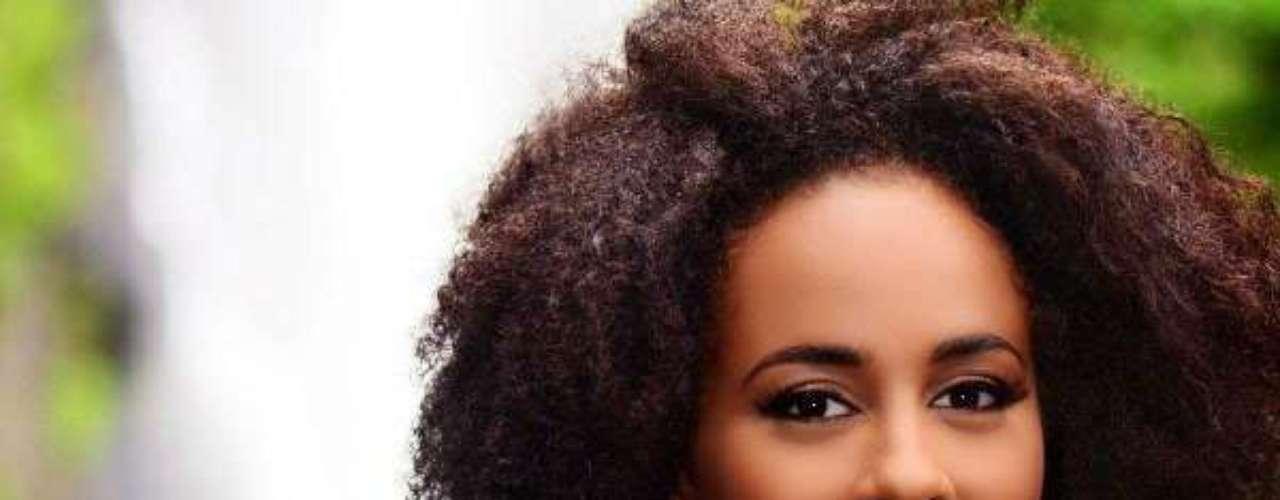 Miss Dominica - Leslassa Adey Armour-Shillingford. Tiene 19 años de edad, mide 1.73 metros de estatura. Reside en Roseau