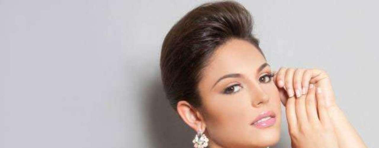 Miss España - Elena Ibarbia Jiménez. Tiene 18 años y mide 1.80 metros de estatura. Reside en San Sebastián