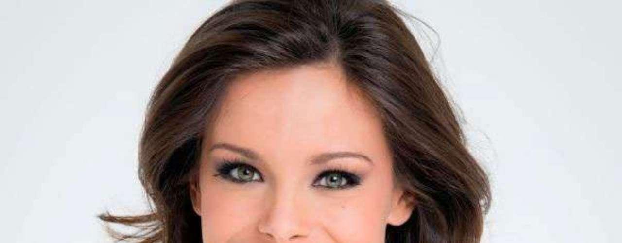 Miss Francia - Marine Lorphelin. Tiene 19 años de edad y mide 1.77 metros de estatura. Reside en Mâcon.