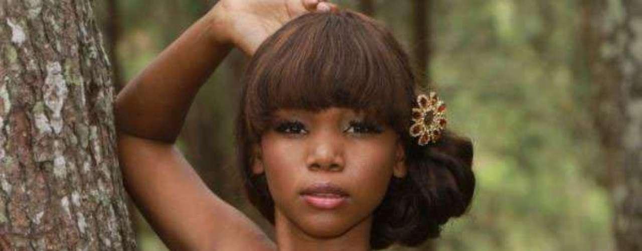 Mis Haití - Ketsia Iciena Lioudy. Tiene 21 años de edad, mide 1.72 metros de estatura y reside en Cabo Haitiano