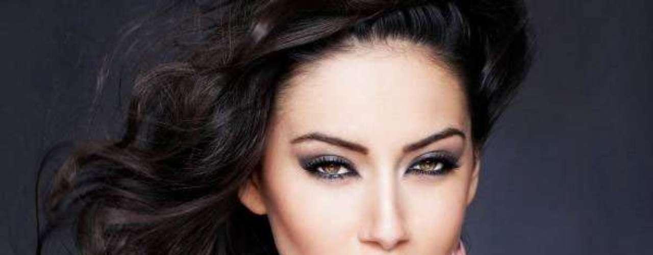 Miss Kosovo - Antigona Sejdiu. Tiene 19 años de edad y mide 1.76 metros.